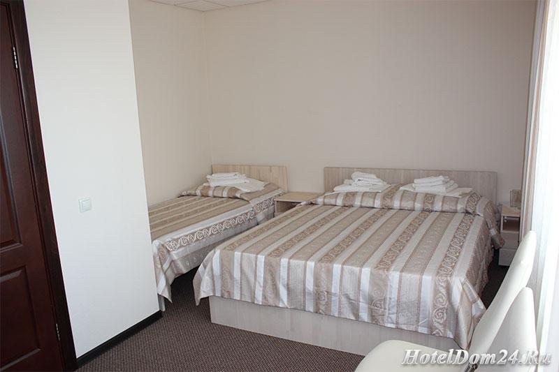 Трехместный номер 1 этаж кровати